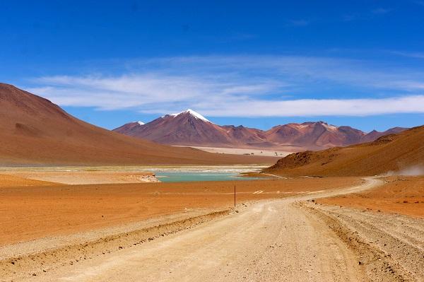 Woestijn bij Uyuni met rondreizen Peru Bolivia